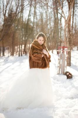 Outdoor_Rustic_Chic_Winter_Wedding_Spencer_Studios_34-v