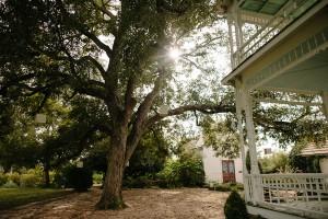 Barr_Mansion_Austin_Texas_Wedding_Photo_by_Betsy_15-h
