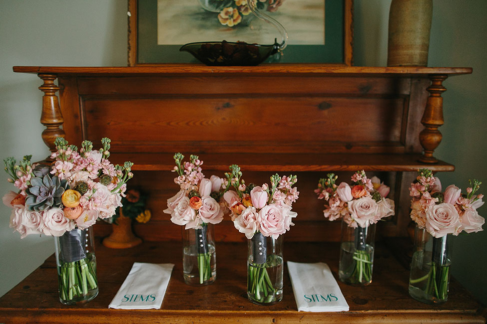 Sweet Little Austin Wedding At Barr Mansion With Unstated Detailing | Photograph by Photo by Betsy