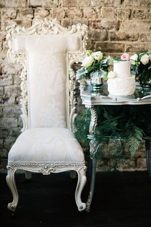 Classic_Vintage_Late_Winter_Wedding_Ali_McLaughlin_Photography_24-lv