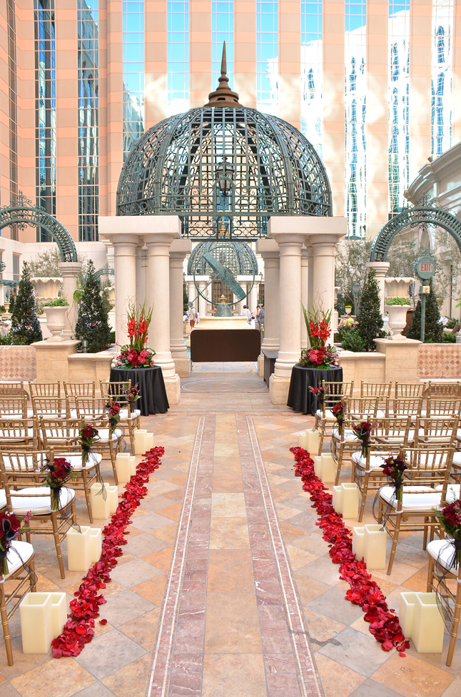 Outdoor-Ceremony-at-The-Venetian