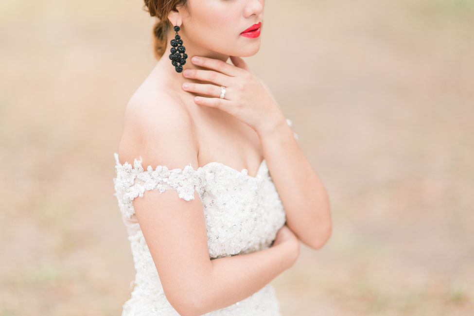 4 Dreamy Romantic Glam Bridal Style Looks For Summer | Photograph by Capturing Smiles Photography