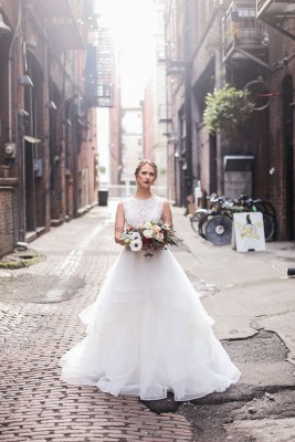 Romantic Industrial Loft Wedding At Seattle's Axis Pioneer Square | Photograph by Urban Light Studios