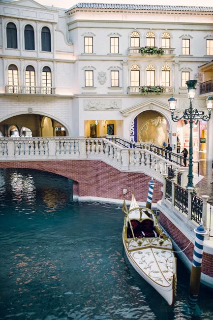 The Beauty Of Las Vegas Weddings At The Venetian Palazzo