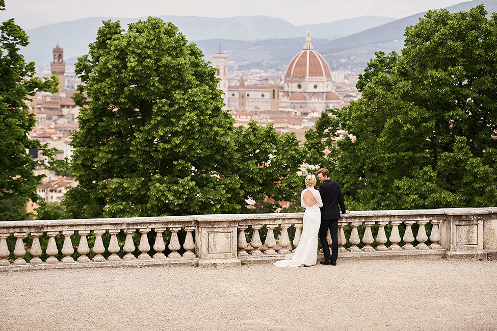 Chic Perfection At Villa Torricella Florence Italy Wedding | Photograph by Studiobonon  See The Full Story at https://storyboardwedding.com/chic-perfection-villa-torricella-florence-italy-wedding/