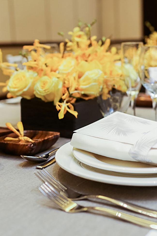 Sandals-Royal-Bahamian-Customizable-Destination-Weddings-Tablesetting-(33)