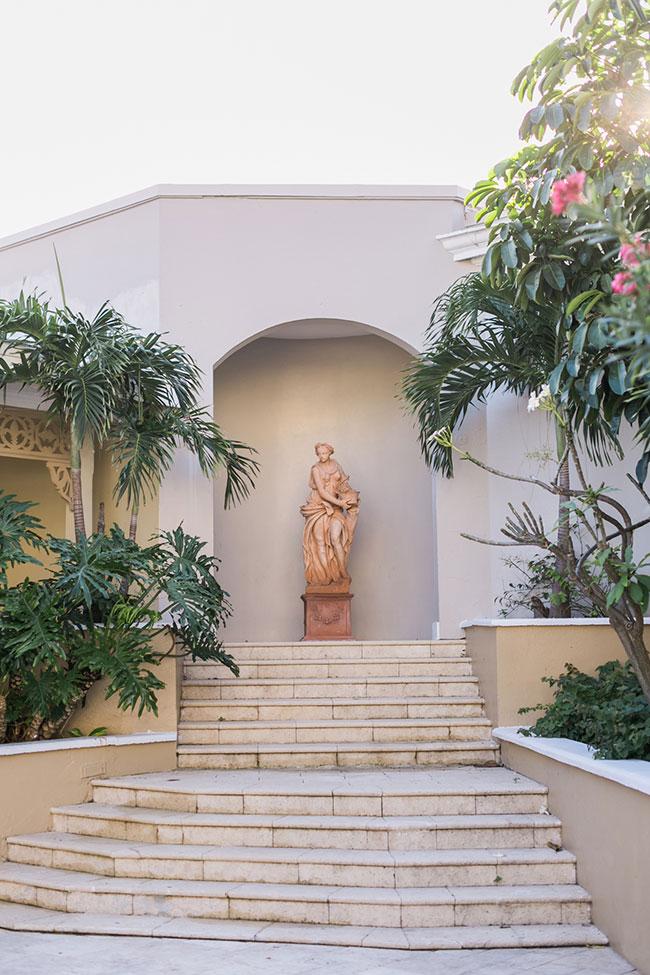 Sandals-Royal-Bahamian-Statues-(25)