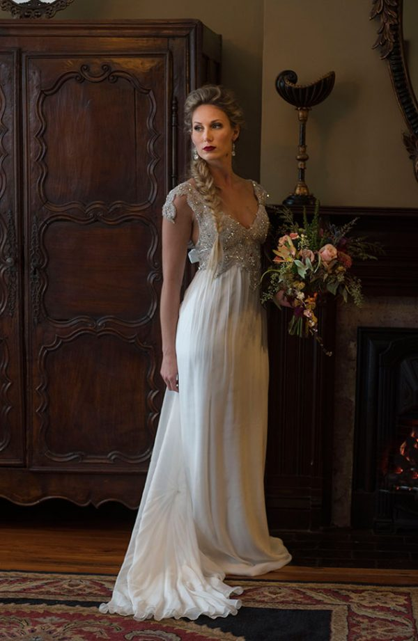 Classic_Glam_Vintage_Bridals_Audrey_Goforth_Photography_10-lv