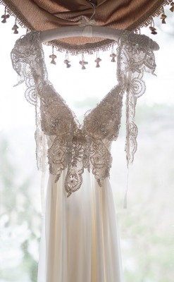 Classic_Glam_Vintage_Bridals_Audrey_Goforth_Photography_4-rv