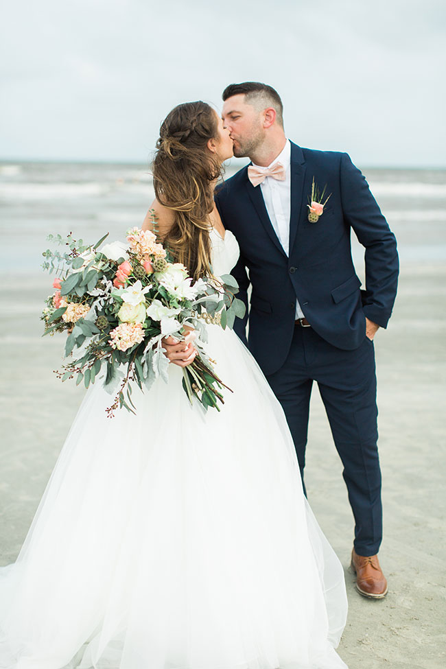 Organic Chic Galveston Texas Beach Wedding | Photograph by Karen Theresa Photography