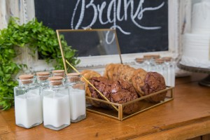 Grand_Texana_Dairy_Barn_Wedding_Photography_by_Niki_15-h