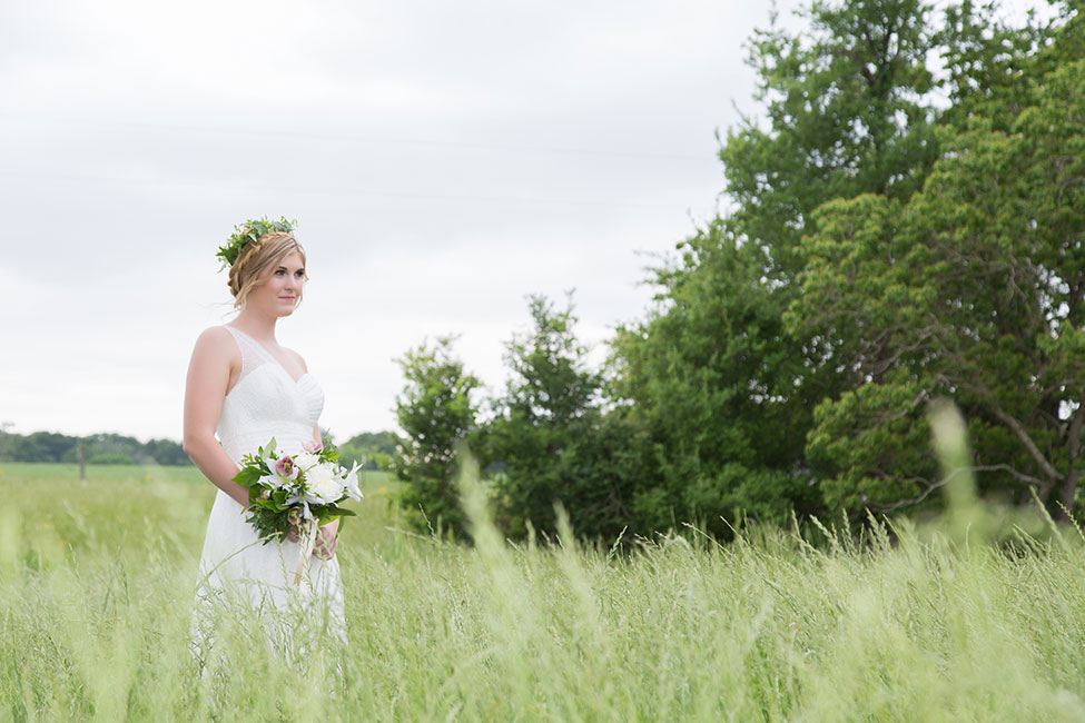 Historic Dairy Barn Wedding At The Grand Texana | Photograph by Photography by Niki  See The Full Feature at http://storyboardwedding.com/historic-dairy-barn-wedding-grand-texana-texas/