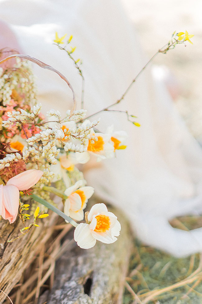 Sun-drenched Fall Bohemian Bridal Style On The Chesapeake Bay   Photograph by Manda Weaver Photography  See The Full Story at https://storyboardwedding.com/fall-bohemian-bridal-chesapeake-bay