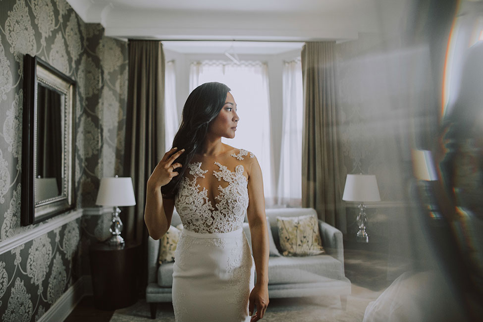 Chic Fort Gary Hotel Winnipeg Wedding | Photograph by Sambajoy  See the full story at https://storyboardwedding.com/chic-fort-gary-hotel-winnipeg-wedding