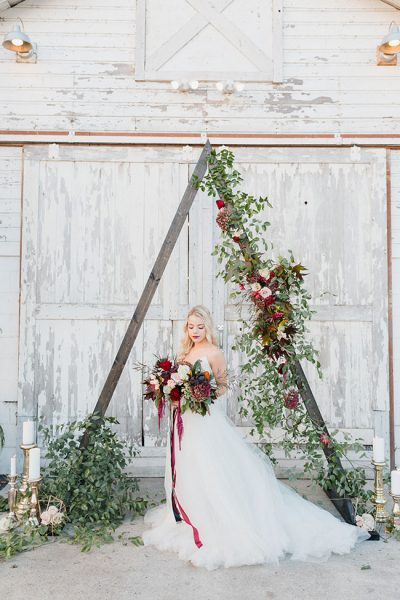 Boho_Chic_Country_Wedding_Courtney_Bowlden_Photography_21-v
