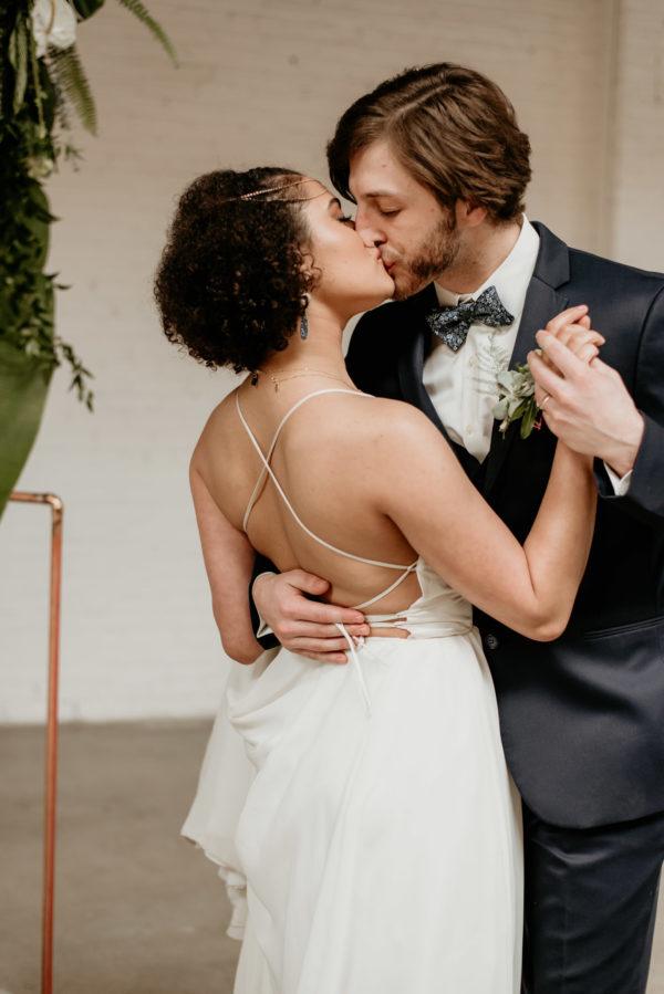 Minimalist Wedding Inspiration with Antique Elements Mariana Ziegler08