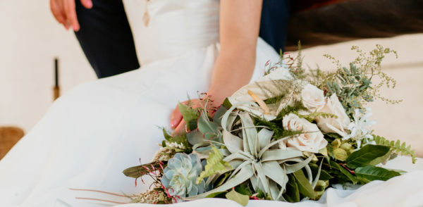 Minimalist Wedding Inspiration with Antique Elements Mariana Ziegler12
