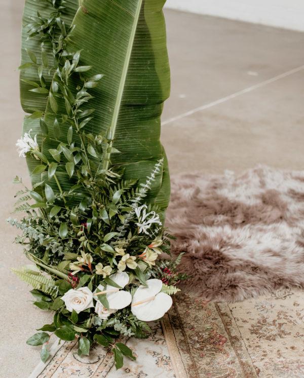 Minimalist Wedding Inspiration with Antique Elements Mariana Ziegler14