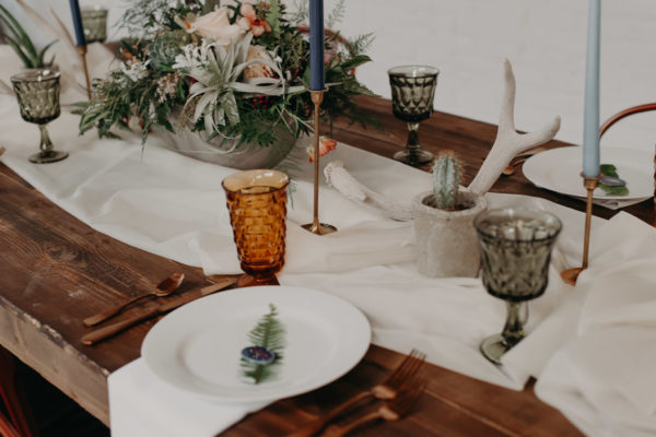 Minimalist Wedding Inspiration with Antique Elements Mariana Ziegler27