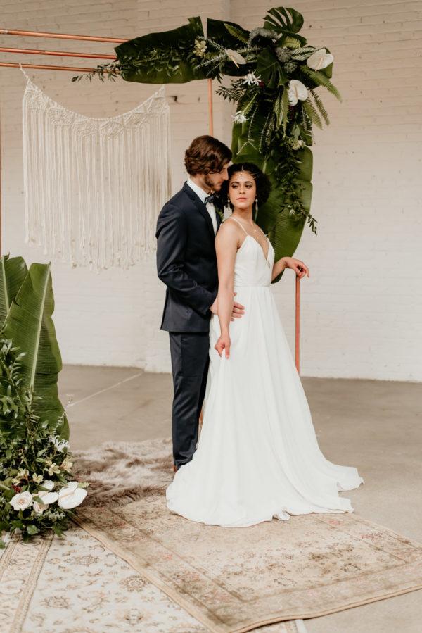 Minimalist Wedding Inspiration with Antique Elements Mariana Ziegler32
