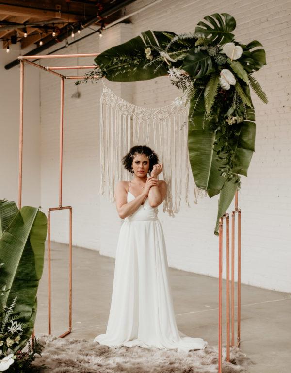 Minimalist Wedding Inspiration with Antique Elements Mariana Ziegler33