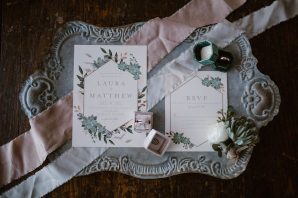 Organic Knoxville Wedding with A Neutral Palette Erin Morrison01