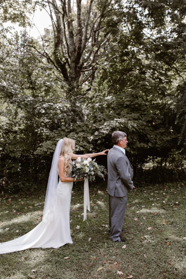 Organic Knoxville Wedding with A Neutral Palette Erin Morrison02