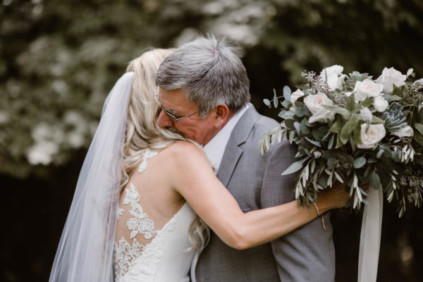 Organic Knoxville Wedding with A Neutral Palette Erin Morrison03