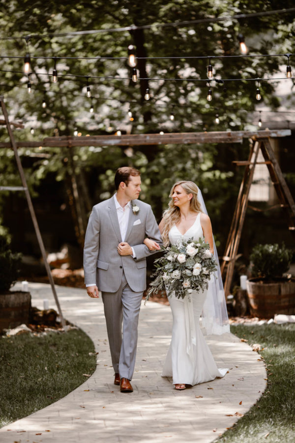 Organic Knoxville Wedding with A Neutral Palette Erin Morrison10
