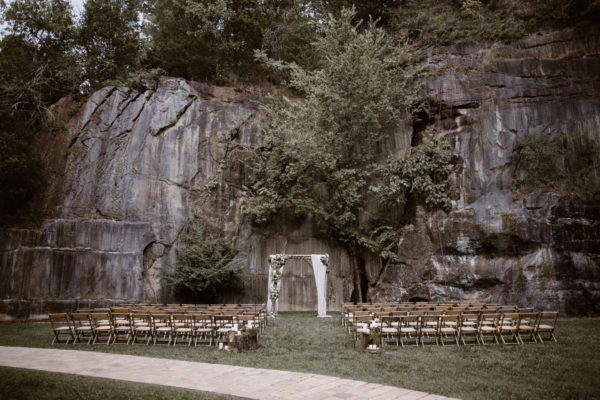 Organic Knoxville Wedding with A Neutral Palette Erin Morrison25
