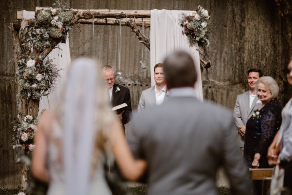 Organic Knoxville Wedding with A Neutral Palette Erin Morrison35