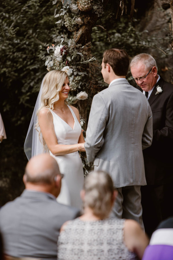 Organic Knoxville Wedding with A Neutral Palette Erin Morrison37