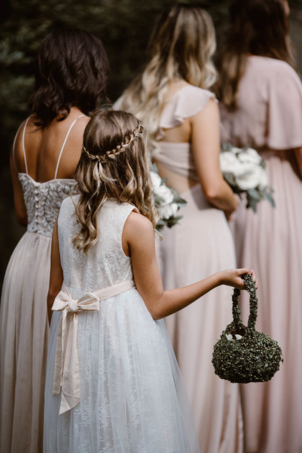 Organic Knoxville Wedding with A Neutral Palette Erin Morrison38