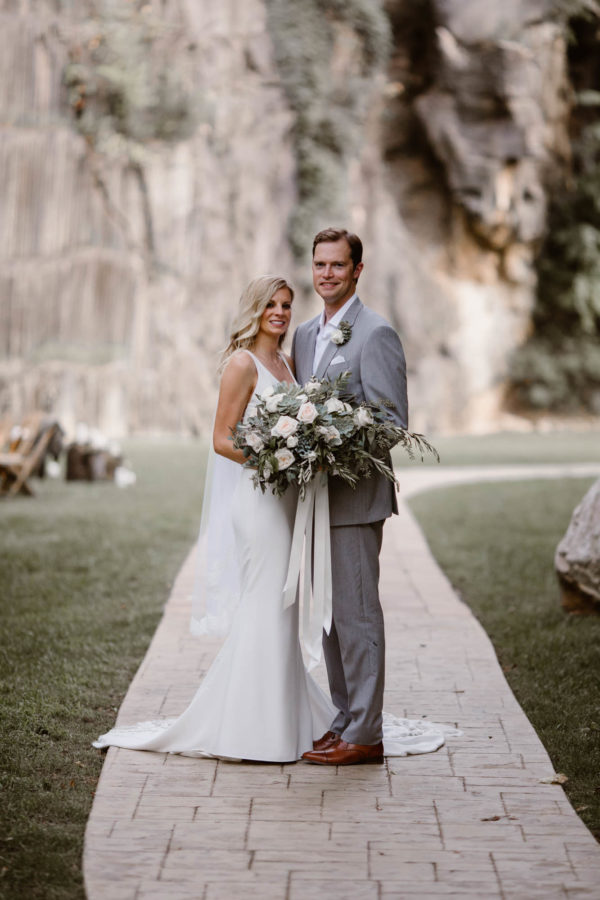 Organic Knoxville Wedding with A Neutral Palette Erin Morrison40