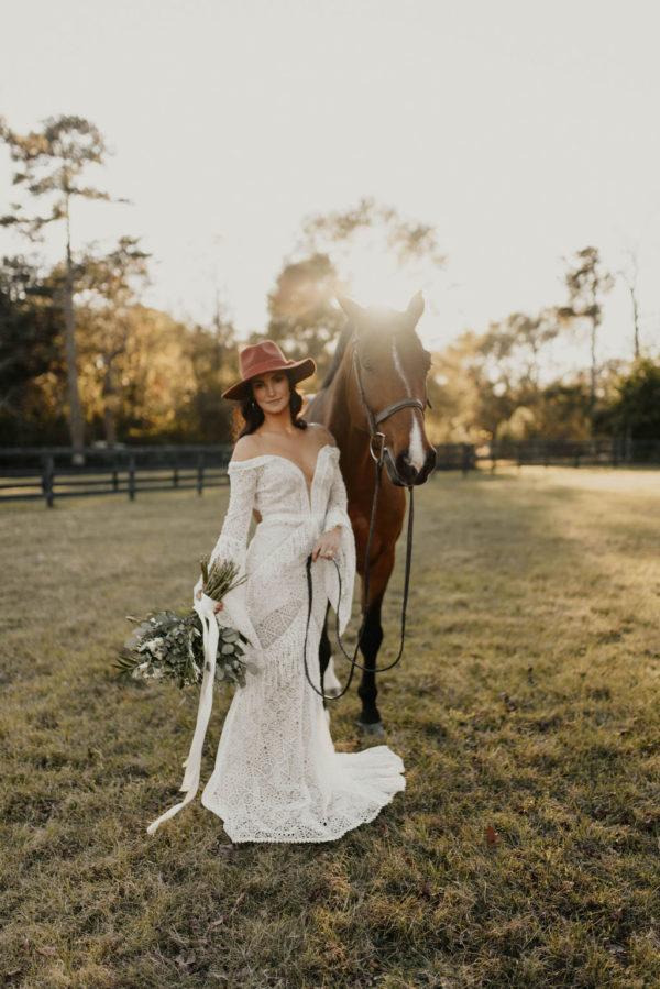 Bohemian Ranchstead Bridal Inspiration Taryn Lynn Photography01