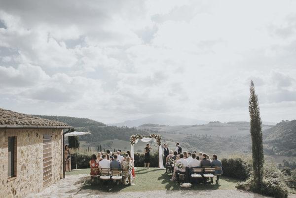 Relaxed and Intimate Tuscan Wedding Daniela Nizzoli08