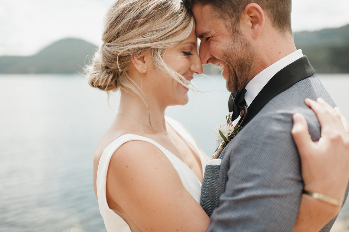 Minimalist Wedding on a Pacific Northwest Island Carina Skrobecki09