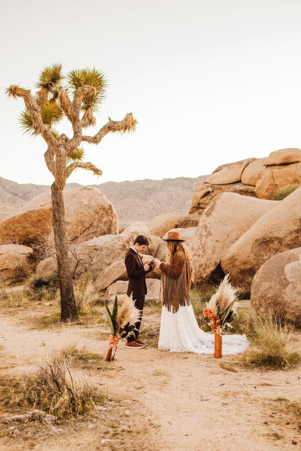Bohemian Joshua Tree Vow Renewal Allie Dearie Photography10