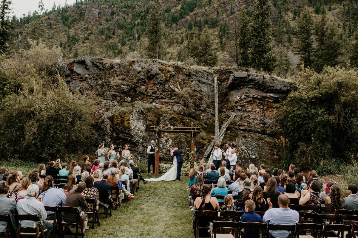 Fall Mountain Wedding with Pretty Pastels Honeybee Weddings17