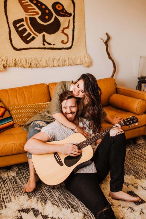 Intimate Musical In-Home Couple's Session Allie Dearie Photography08