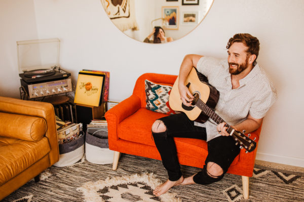 Intimate Musical In-Home Couple's Session Allie Dearie Photography09
