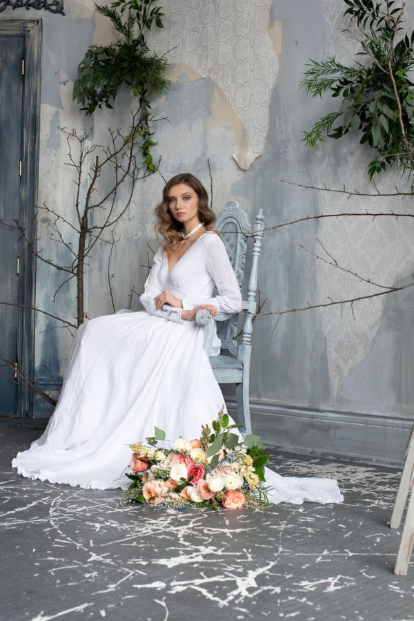 Romantic Poetry Bridal Session Inspiration Wreath and Rose Photography04