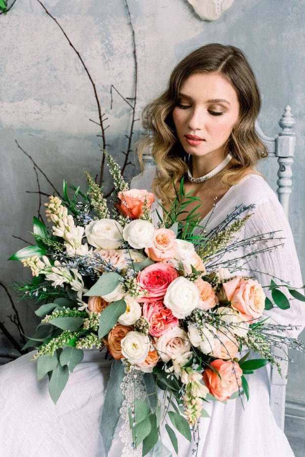 Romantic Poetry Bridal Session Inspiration Wreath and Rose Photography05