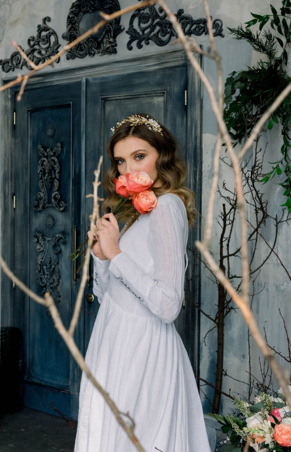 Romantic Poetry Bridal Session Inspiration Wreath and Rose Photography08